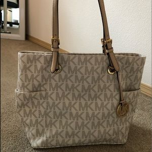 Michael Kors Signature Tote lightly used